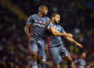 Usta kalemler Beşiktaş'ın Avrupa zaferini yorumladı