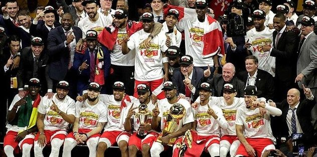 Toronto Raptors'ın şampiyonluk sevinci sürüyor