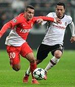 Maçın en iyisi Adriano!
