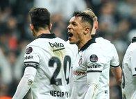 Beşiktaş'ta Adriano ile yollar ayrılıyor!
