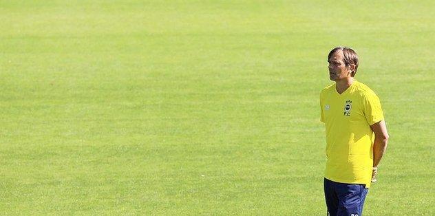 Fenerbahçe'nin yeni teknik direktörü Phillip Cocu'dan transfere veto!