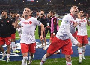 Fransa - Türkiye maçı sonrası sosyal medyaya damga vuran paylaşımlar