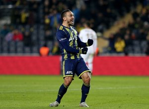 Mevlüt Erdinç'ten takım arkadaşına büyük övgü: Türkiye'nin en iyisi!