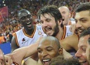 Galatasarayın şampiyonluğundan kareler