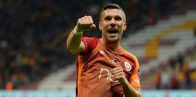 Arena golcüsü Podolski!