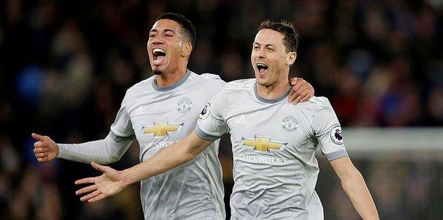 Manchester United 2 farktan geri döndü