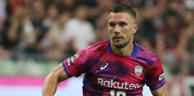 Podolski ikinci kez sahaya çıktı