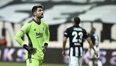 Son dakika spor haberi: Beşiktaş Adana Demirspor maçında Ersin Destanoğlu ilk golünü frikikten yedi! Barajı özenle kurdu ama...