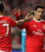 Benfica forvetsiz kaldı