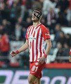 Jahovic maskeyle gollerine devam etti