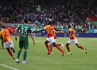Galatasaray'da Diagne tarihe geçti!