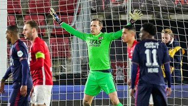 Son dakika spor haberi: Hollanda'da AZ Alkmaar-Twente maçı gündeme oturdu! 3 kez yanlış kaleye gol...