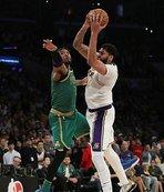 LA Lakers galibiyet serisini 5 maça çıkardı!