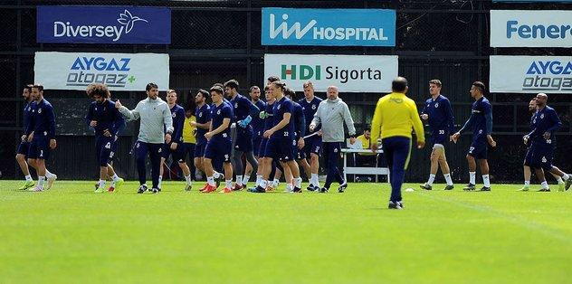 Fenerbahçeli futbolculardan itiraf: O kalsaydı bu halde olmazdık