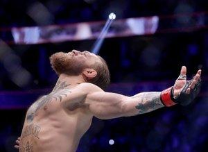 Conor McGregor rakibini 40 saniyede nakavt etti!