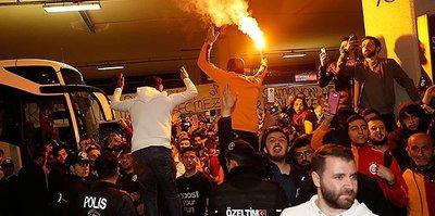 Galatasaray taraftarı takımını yalnız bırakmadı