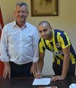 Menemen Belediyespor Deniz'le imzaladı