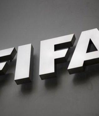 FIFA'dan 3 eski üyeye men!