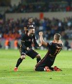 Podolski'den Sabri'ye destek mesajı