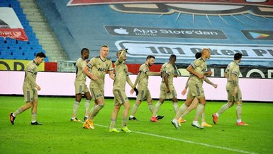 Fenerbahce beat Trabzonspor to stay in title race