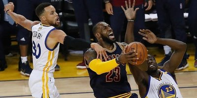 Warriors take 2-0 series lead in NBA Finals