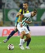 Fenerbahçe'nin vazgeçilmezi Mehmet Topal