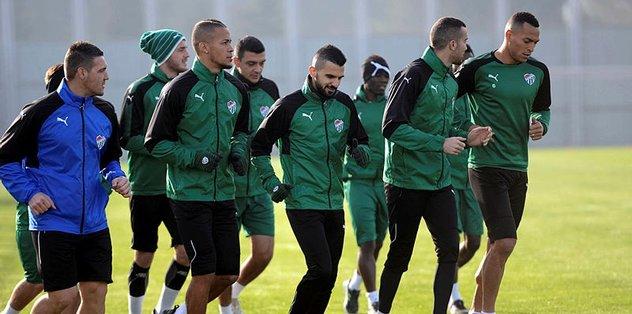Bursaspor'un belini sakatlıklar büküyor