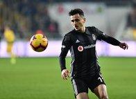 Beşiktaş'tan ayrılan Mustafa Pektemek ezeli rakibe gidiyor