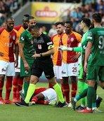 """""""Hakemler o iki maçı çaldı Galatasaray'a verdi"""""""