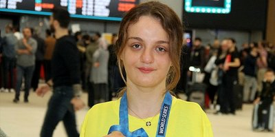 ABD'de altın madalya kazanan Sümeyye Boyacı yurda döndü