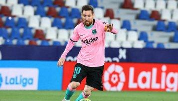 Messi Barcelona'da kalacak mı? Başkan açıkladı!