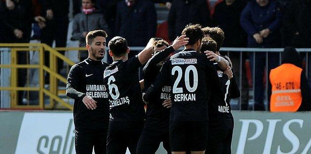 Ümraniyespor Kardemir Karabükspor'u 3-0 mağlup etti
