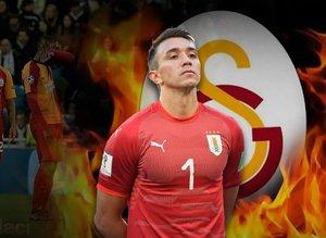 Muslera transfere el koydu! Galatasaray'a süper öneri