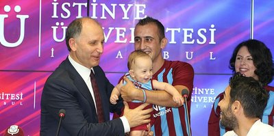 Trabzon, Bordo Maviş'i renklerine bağladı