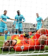 Tottenham'ın Fransız kalecisi Hugo Lloris ameliyat edildi