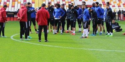 Evkur Yeni Malatyaspor yeni stadyumda taktik çalıştı