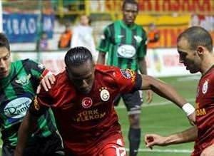 İşte Akhisar Belediyespor - Galatasaray maçının geyikleri
