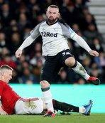 Rooney: Lineker gibi biri değilim