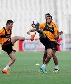 Galatasaray, AEK maçına hazırlanıyor