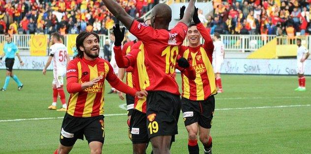 6 maçlık hasrete Demba Ba son verdi!