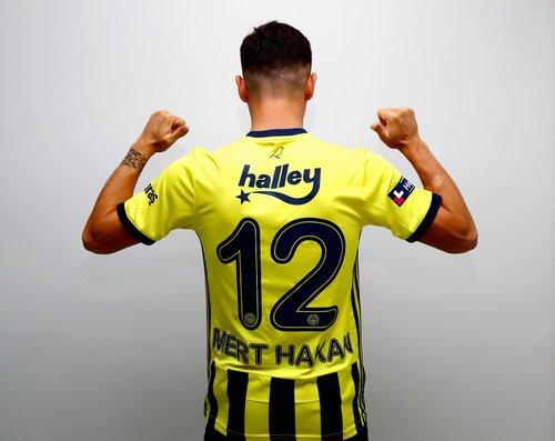 son dakika mert hakan yandas resmen fenerbahcede 1596715358804 - Son dakika: Mert Hakan Yandaş resmen Fenerbahçe'de!