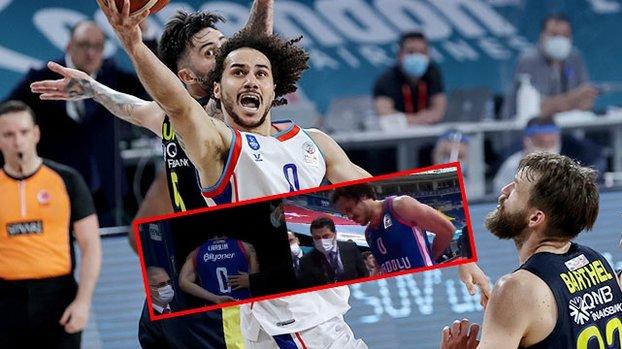 Son dakika spor haberi: Fenerbahçe Beko Anadolu Efes maçında Shane Larkin şoku! Sakatlandı ve... #