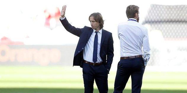 Modric yeni sözleşme imzaladı