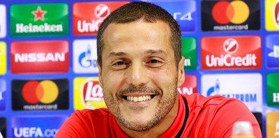 Julio Cesar'dan Benfica'ya veda