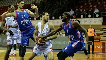 Efes ve Beşiktaş yarı finalde