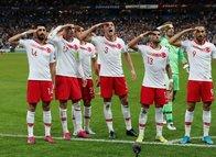 İtalyanlardan flaş Türkiye yorumu! Olimpico'da asker selamı