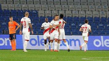 Antalyaspor'un yıldızı Podolski siftah yaptı