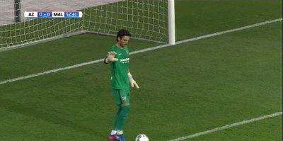 Cenk Gönen ilk maçında 3 gol yedi