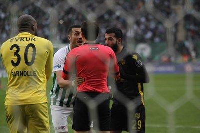 Süper Lig'de Suarez vakası! Rakibini ısırdı...