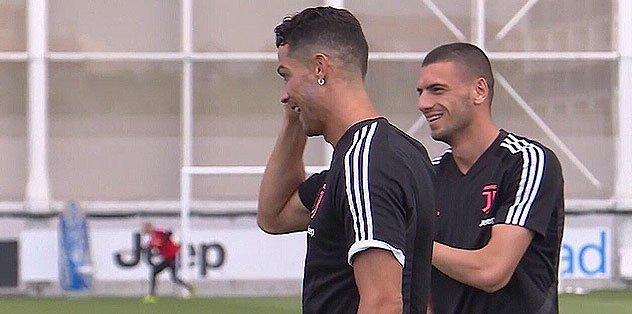 Herkes bu fotoğrafı konuşuyor! Cristiano Ronaldo'dan Merih Demiral'e...